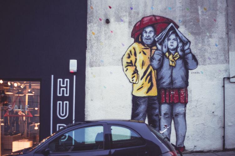 London Aumbrella Day London Mural London Street Photography Nopeople Outdoors Rainy Season Redumbrella Standing Two People