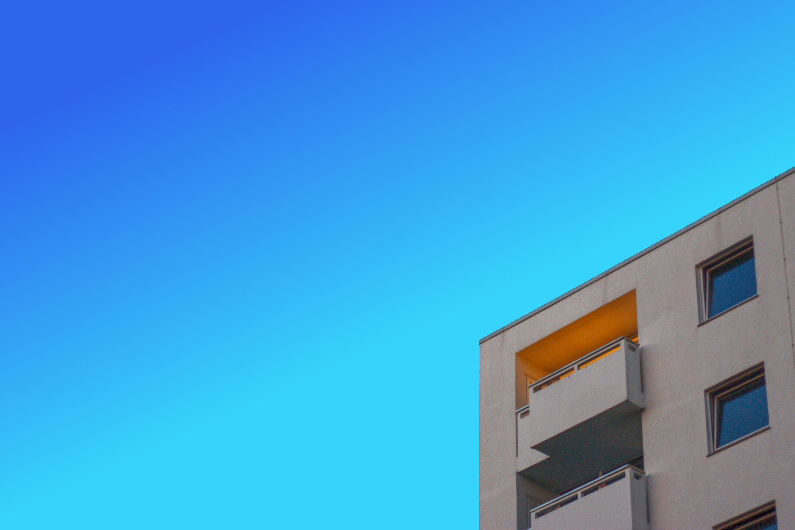 building exterior, built structure, architecture, blue, clear sky, low angle view, copy space, no people, day, outdoors, sky