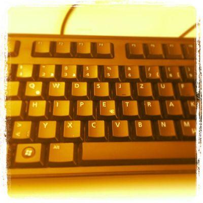Morgens auf der Arbeit direkt nett von der Tastatur begrüßt werden: unbezahlbar. :)
