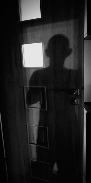 Shadow 💢🐾🐜 Zle_slowa_w_dobrej_duszy Project790301 Mocduszy Mocserca Nasirlnd Umysł Mysl Dobryduch Wemnie Wnas Poland Polska Brain Blowmind Inme Nowayticket Window Close-up Building Door Door Knocker Closed Door Deterioration Run-down Weathered Peeling Off Exterior Closed