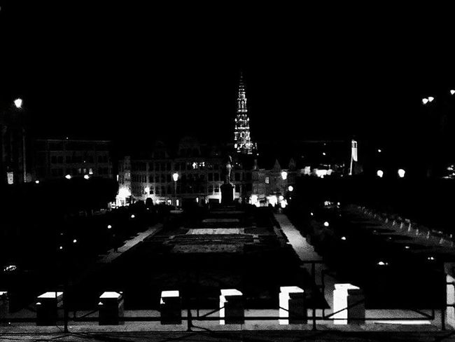 Night Illuminated City Bruxelles ❤ Montdesarts Black & White Photography HUAWEI Photo Award: After Dark