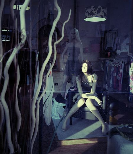 Window Shopping Mannequin Girl Mannequin Hello World