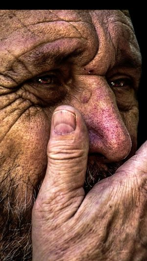 Anonymous portrait... U can see the photo in my Instagram maribel_suarez o in www.maribelsuarez.es Portrait Men Human Body Part Exhibition Exhibit Art Photographic Photograph Photographer Gallery Visitor Watchers Watch See Look Looking Private Public Blurred Blur Out Of Focus Photography Documentary Reportage Street One Person Streetphotography People One Man Only Touching Real People Beauty Human Representation Wrinkled Pain The Human Condition Street Portrait Contemplation Arts Culture And Entertainment Only Men RePicture Ageing Mature Adult Human Skin Facial Expression Exhibition Center Human Face