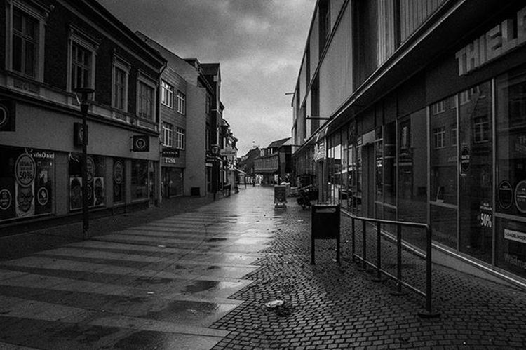 TBT  Thisted Streetphotography Badweather 6am InTheMorning Visitdenmark Canon EOS 100D Blackandwhite RainyDay
