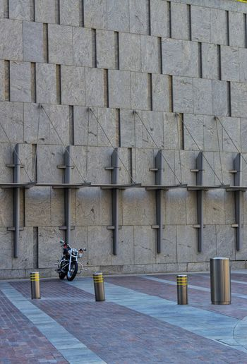 the wall Motorcycle Thewall Architecture Street Streetphotography Day Outdoors Day Bicycle