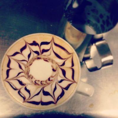 Buenos días amantes del café! Good morning coffee lover! Coffeelover CoffeTime Latteart Chocolate Barista