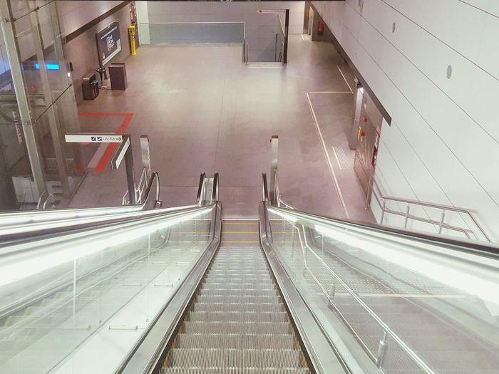 Escalators Metro Station Architecture Urban Architecture Sliding Scale Escalator Modern Architecture
