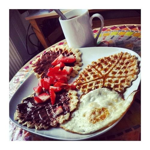 Saturday Bestday Pancakeday Egg strawberries nutella healthy mornings Amandaspancakes picoftheday igdaily follow