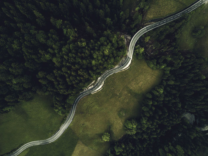 Market Version Aerial View Curve Dronephotography High Angle View Mountain Road Road Scenics Transportation Tree Winding Road The Great Outdoors - 2017 EyeEm Awards BYOPaper!