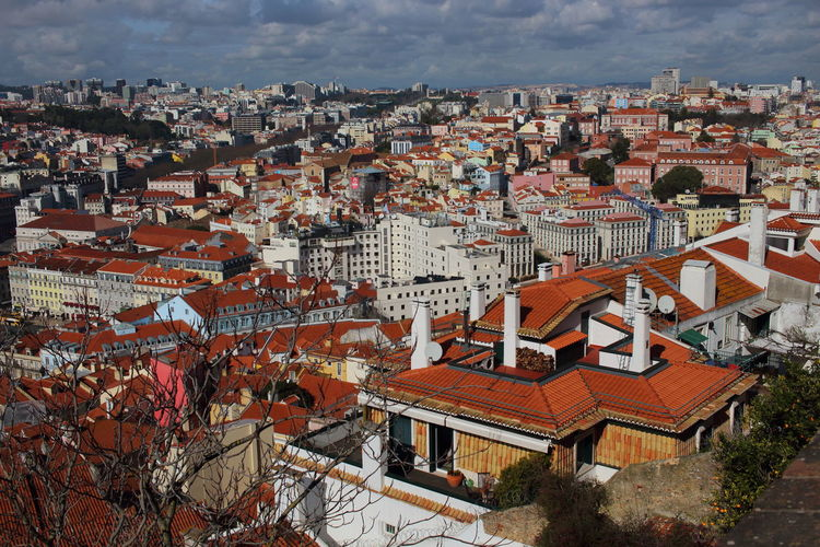 Lisboa Portugal Lisbon - Portugal Lissabon, Portugal EyeEm City Lover Architecture Built Structure Building Building Exterior City High Angle View Residential District Roof House Sky Town Cityscape Cloud - Sky Community TOWNSCAPE Outdoors