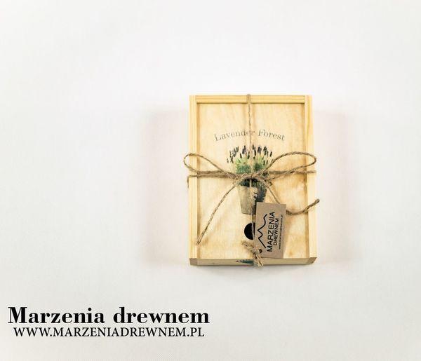 Lavender Forest od Marzeniadrewnem. Wymiary 20cm/15 cm/5cm. #szkatułka #ręcznie #wykonana #lawenda #skrzynka #marzeniadrewnem #Myślenice #Kraków #homedecor #homemade #woodworker #design #wooddesigner #inspiration #handmade #woodbox #beautiful #box #lavender #forest #nature #mypassion Krakow Marzeniadrewnem Lawenda Szkatułka Inspiration Woodworker Myslenice Ręcznie Box Handmade Homemade Wykonana Design Beautiful Nature Woodbox Skrzynka Forest Homedecor Wooddesigner Mypassion Lavender Wood Text No People Indoors  White Background Flower Close-up Day