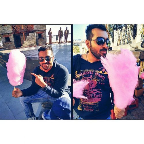 Biggest_cotton_candy_ever Cottoncandy Tasty Sweet Instafood Yummy Ameyzing ing Sweettooth Delish Yum Eat Hungry Instagood Delicious Mytravels Holidays Queenofhills_dairies