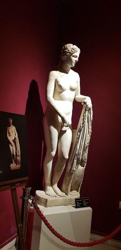 Afrodite Antalya Antalyamüzesi Statue Red Human Representation Figurine  Female Likeness