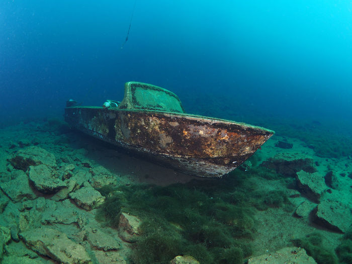 Coldwater diving in sweetwater, Quarry (Steinbruch) Löbejün Underwater underwater photography Diving Divingphotography Sweetwater Coldwater Visibility High Visibility Wrack Vassel Wreck Wreckage Motorboat Quarry Löbejün