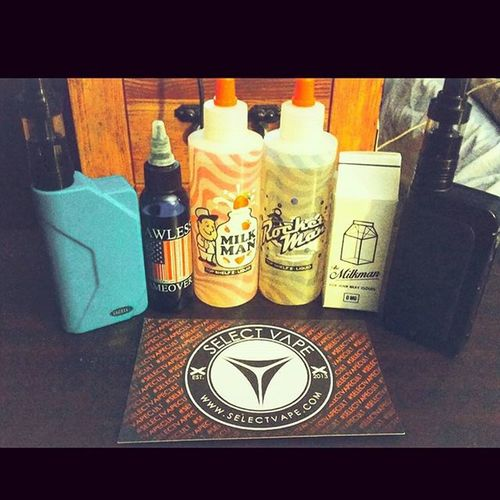 Just wanna say how much you guys rock! Just a small product line up from you guys! @selectvape Selectvapecult Vape Boxmod Cloudchaser Ejuice Eliquid Vape4life Vapeporn VapeLife Vapelyfe Vaporfanatics Ipv4 Black Heraklestank Sigelei150 Tiffanyblue Vapersofamerica Vapeeveryday Milkman Onehitwonder