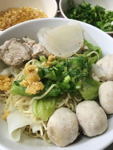 Egg Noodle Dry Noodles Chinese Food Cantonese Food HongKong Street Food Worldwide Menu Porkchop Pork Ribs Stewed Pork Side Dishes  Pork Ball Close Up
