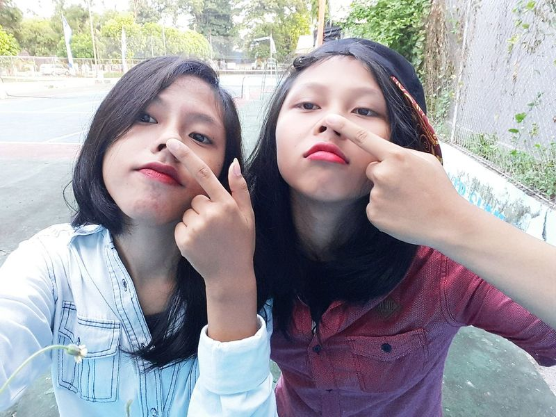Bawang Merah Bawang Putih White Color Red Color First Eyeem Photo Friendship Friendstime Friend!❤ Photooftheday Afterschool  Hi! Hello World Semangat Fighting Taking Photos Happiness Photo♡ Hanging Out Enjoying Life Myself And My Life☆ Ourstory Ourselves Nose Up Noses Redlipstick Red Lips 💋💋