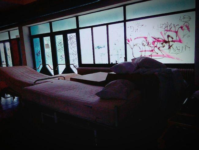Dark Old Hospital Donotenter Mysterious True Scary Explore Graffiti