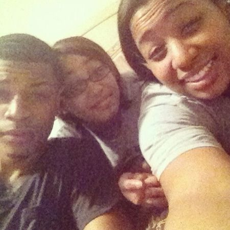 With the big bro Derrick and lil sis Ash tonight.... Love nights like these =)