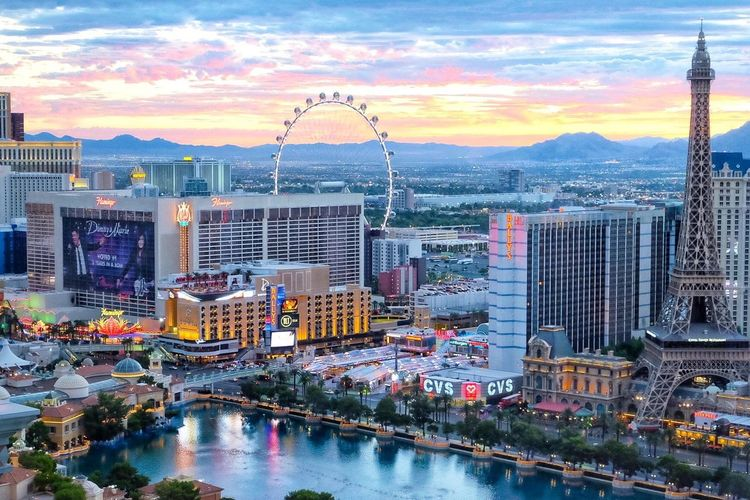Las Vegas Las Vegas NV Las Vegas ♥ Vegas  VEGAS🎲 Vegas Baby Vdara Suite View Cityscape Bellagio Bellagio Fountains Sunrise Nevada NEVADA, USA!♡ September 2017 Sky Pink Sky Vegas Photography City Vegas Skys Las Vegas Hotel Lost In The Landscape Connected By Travel Second Acts