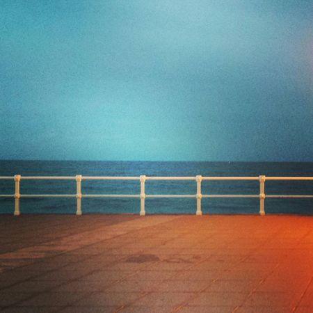 Noche Life Is A Beach Gijón Asturias España Otoño 🍁 Playadesanlorenzo Marcantabrico Enjoying Life Naturaleza Sinfiltro