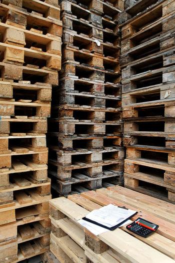 Canon Abundance Arrangement Euro Pallet Europallets In A Row Industrial Large Group Of Objects Mechandise Order Pallet Stack Transportation Wicker