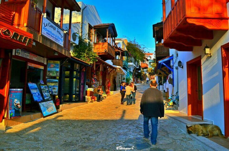 Kaş uzunçarşı artık sezona hazır misafirlerini bekliyor Uzunçarşı Bazaar Kas Street Yenisezon