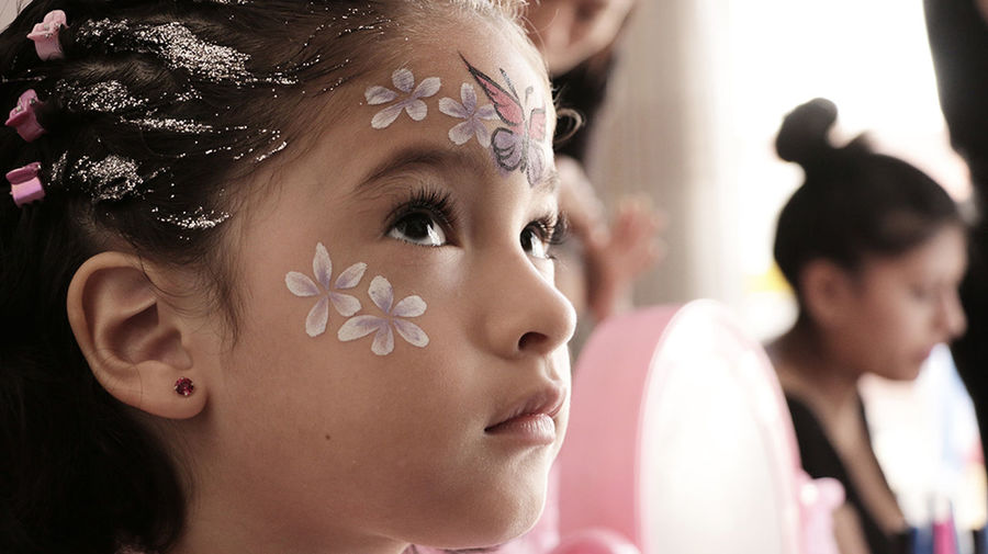 niña maquillaje