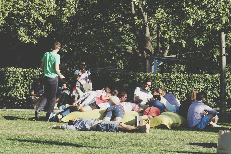 Collected Community Relaxing Enjoying Life Evryday Foto Gorky Park EyeEm Nature Lover Eyeem People World Photography Day Streetphotography Enjoy The New Normal Live For The Story