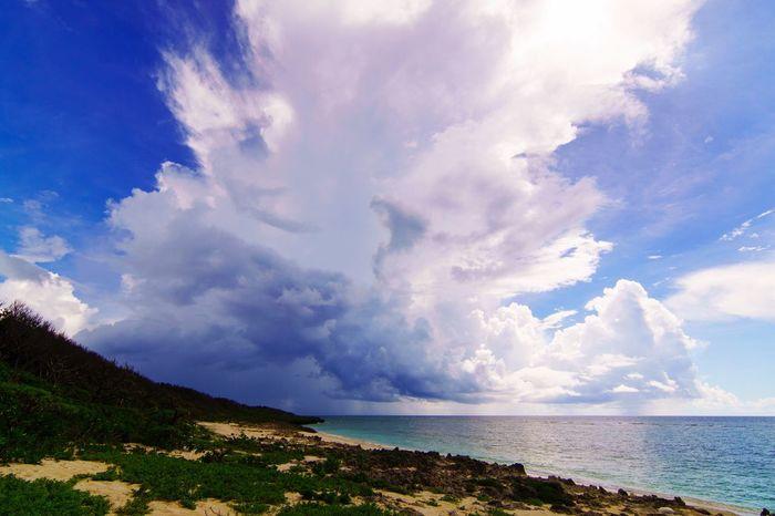 Summer ☀ Summer Clouds SUMMER CLOUDS!!! Clouds And Sky Clouds Clouds & Sky Summer Sky  Summer Sky And Clouds Okinawa OKINAWA, JAPAN Seaside Sea And Sky Japan Landscape Landscape_photography Landscapes Sony Sony α♡Love 雲 沖縄 久高島 沖縄