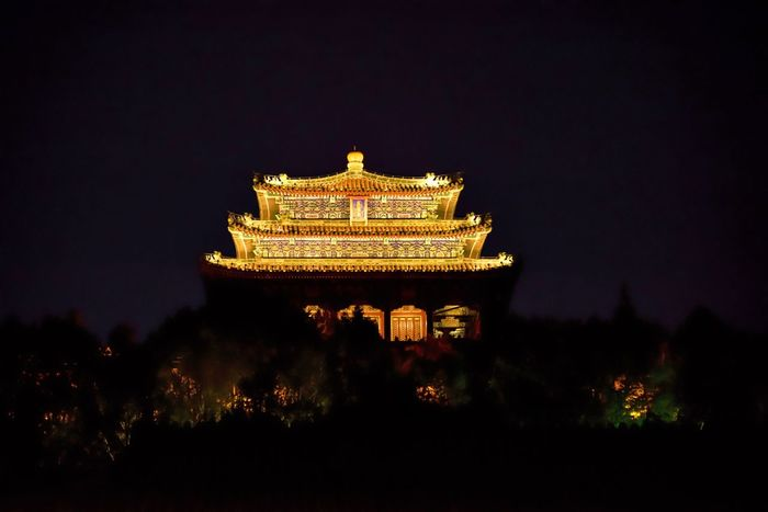 Architecture Beijing Beijing By Night Beijing, China Built Structure China China Beauty China View Chinese Architecture Chinese History Chinese Temple Cityscape Eyeem In Beijing History Illuminated Jingshan Imperial Park Landscape Low Angle View Night Temple Urban Exploration Urban Skyline