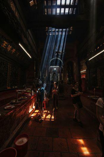 ... Lights Light Lighting Light And Shadow Praying Temple Pagoda Prayer Pray Architecture_collection Architectural Detail Architecture Light And Shadows EyeEm Best Shots Eyeemphotography