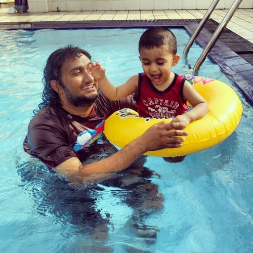had a fun pool time with rayn Rayn10 Fun Pool Dad smile instamood dhuvahugefoto