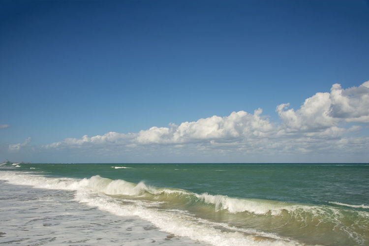 Beautiful Beautiful Day Surf Wave Blue Sky Horizon Over Water No People Ocean Over Water Seascape Seaside Surface Level
