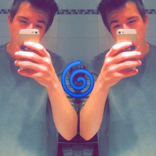 Hello Its Me Mirrorselfie Haha IPhone Polishboy  LOL Lfl Paluch First Eyeem Photo
