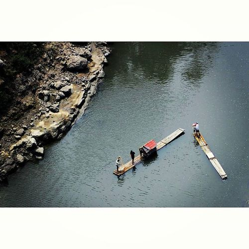 Bamboo.boat. Catching fish. Boat River Citarum Cianjur Catcingfish Bambooboat Landscape Nature Photooftheday Humaninterestphotography Humaninterest