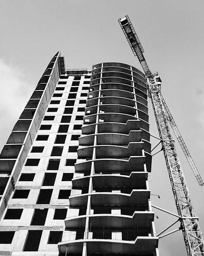 Mobilephotography Streetphotography Streetphoto_bw Blackandwhite Urban Geometry Urban Architecture Architecture Lookingup