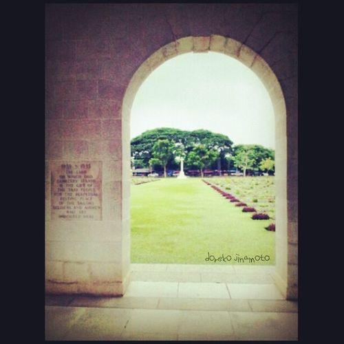 Doreko_jinamoto Kanchanaburi War Cemetery