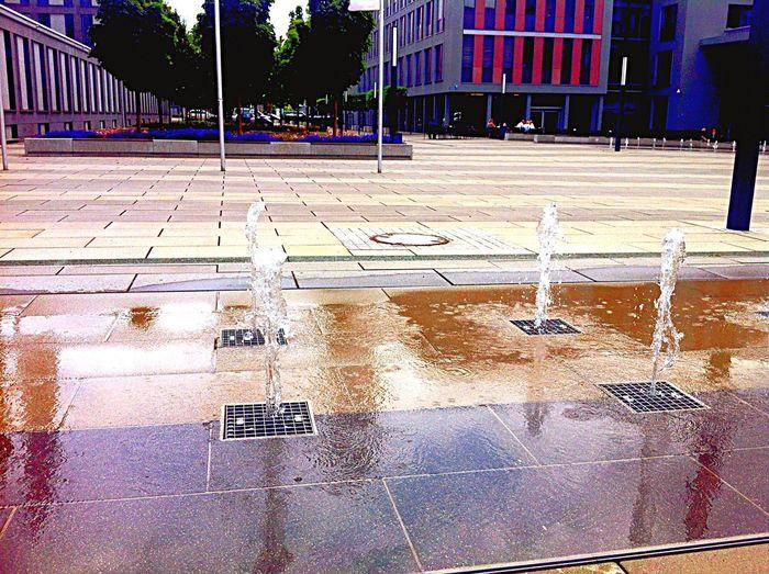 Water Droplets in the City @work A.I. in Wiesbaden - Break BEME Konradinerallee