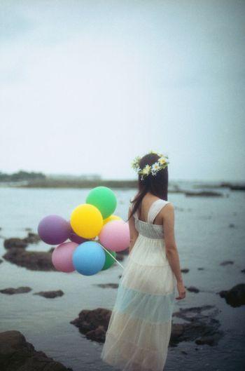 35mm Film Film EyeEm Best Shots Portrait Myfriend Cloudy Balloons Colorful Beach Sea
