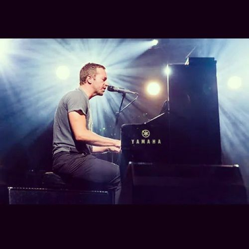 Martin Coldplay MeMojoComoTocaElPiano ✌✌ Eselmejor Perfectos @coldplay ♥♥ MTVHottest Coldplay