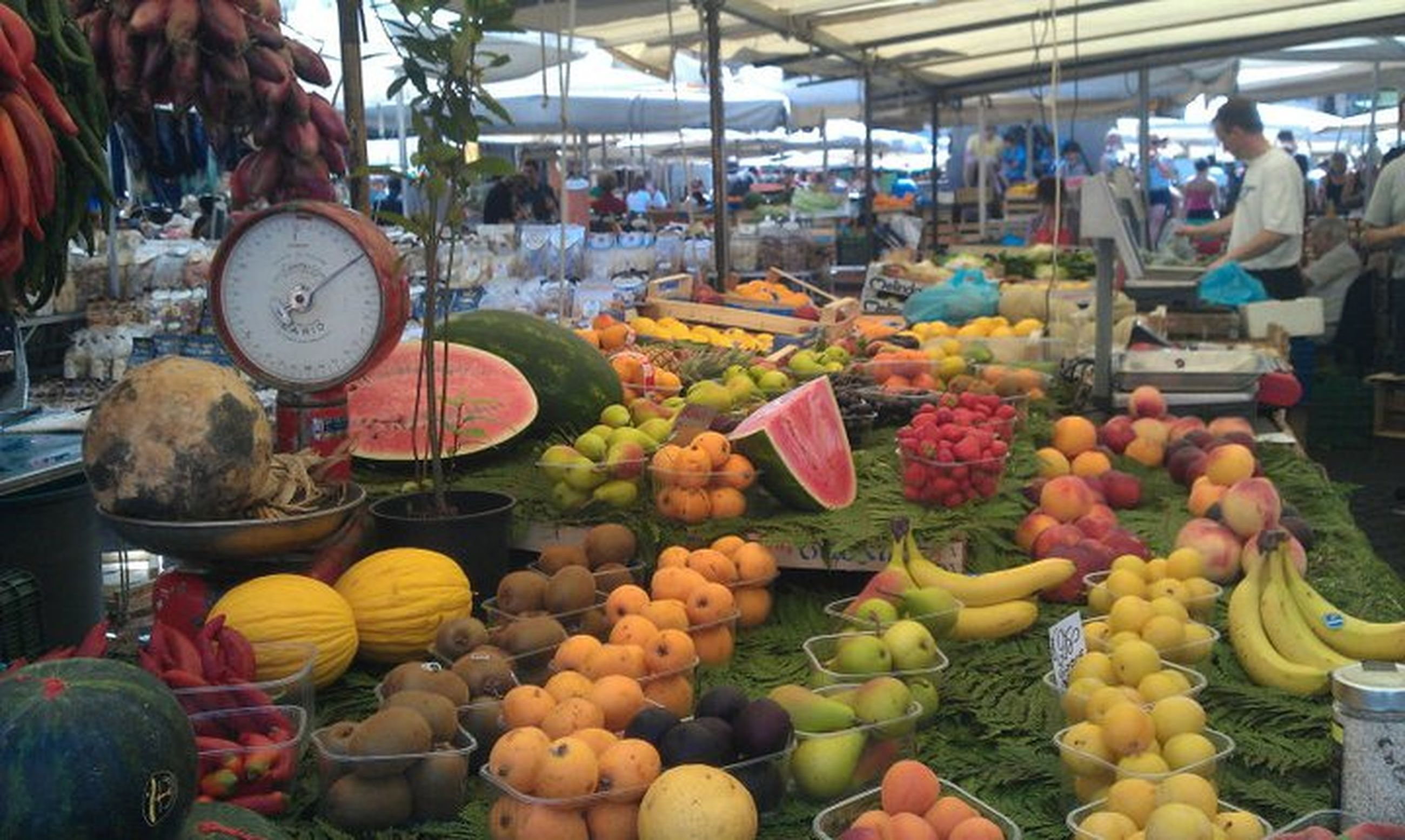 market stall, retail, market, for sale, food and drink, abundance, small business, choice, men, variation, freshness, person, large group of objects, consumerism, food, large group of people, selling, lifestyles, sale