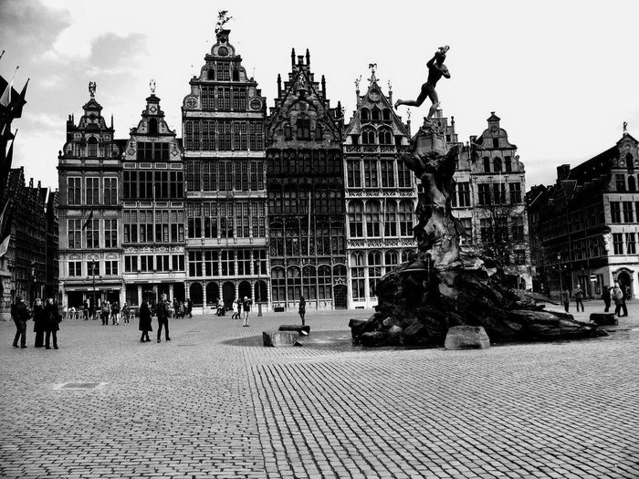 Antwerpen Antwerp, Belgium Antwerpen, Belgium Belgium♡ Belgium Belgique Antwerpen Centraal EyeEm Antwerpen Grote Markt Grote Markt Antwerpen Building Exterior Architecture City Art And Craft Travel Destinations Tourism Group Of People Street History Sculpture Town Outdoors Built Structure Architecture City Building Travel Crowd Art And Craft
