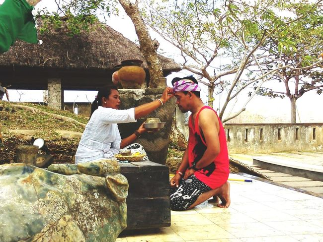 Bali Culture Paradise  Balinesse Tourists
