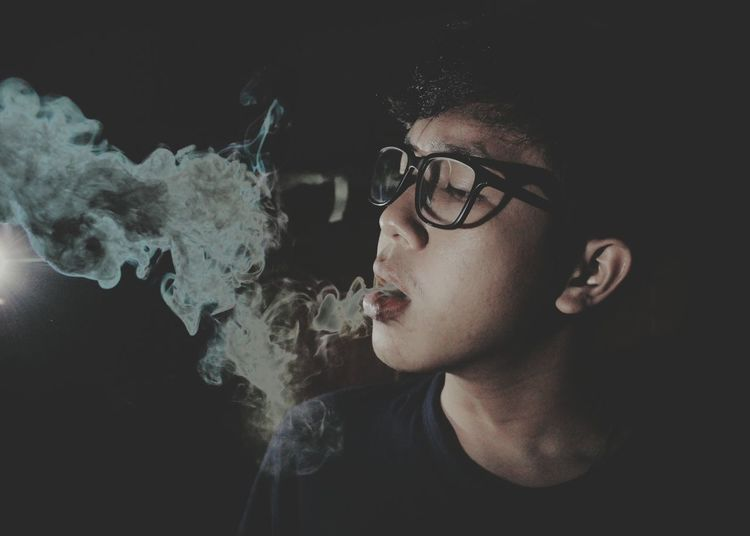 Yaoumanss hard smokes Marijuana Indonesia_photography Dark Darkness And Light Darkart Dark Photography Black Background Smoke Smoke Weed SMOKE WEED EVERYDAY Art ArtWork Abstract Beauty Uniqueness