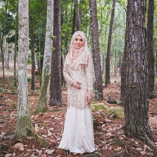 Wahida+Idham Engagement | Bahau photo by Hanif Hamizan Engaged Engagement Tunang Love Ring Friends Outdoor Ikatancinta Engagementring Vscomalaysia VSCO Vscography