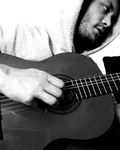 Me Athome  Guitar PlayingGuitar Acoustic Acoustic Guitar Blackandwhite Mobilephotography Mobile Samsung Simple Selftimer Instruments Yamaha Noob Exercise Rostock Music Rock Folk
