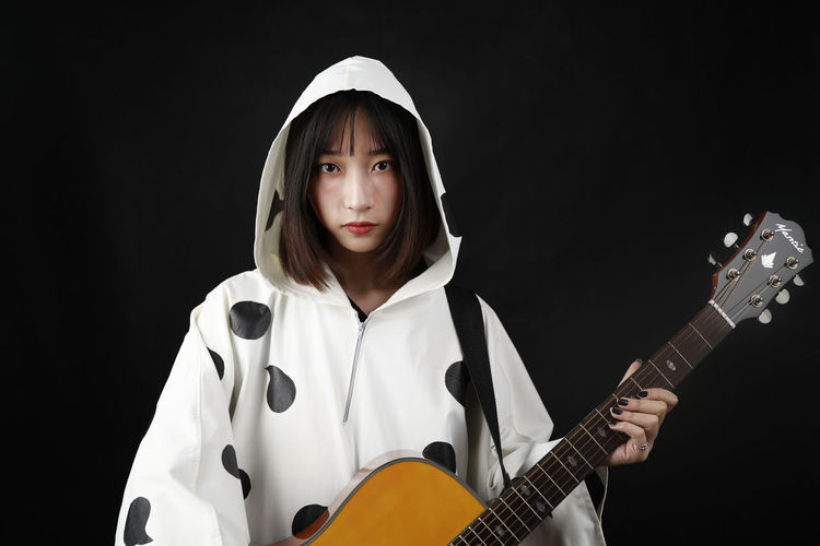 Cosplay 酸欠少女 さユり Black Background Child Portrait Studio Shot Looking At Camera Sport Front View Actor