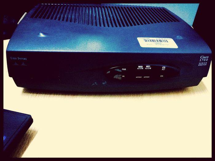 Cisco Router At Cisco Systems Cisco1800 💽💾🔋📠💻📲⌚️