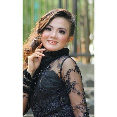 Kofaba Model Model_indonesia Smile ethnic wardrobe mua traditional goun kebaya vergiephotograph
